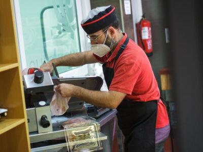 La mejor calidad de carnes y preparados cárnicos de elaboración propia. En Carniceria Online Loli llevamos más de 40 años sirviendo carnes y embutidos de calidad en Murcia.